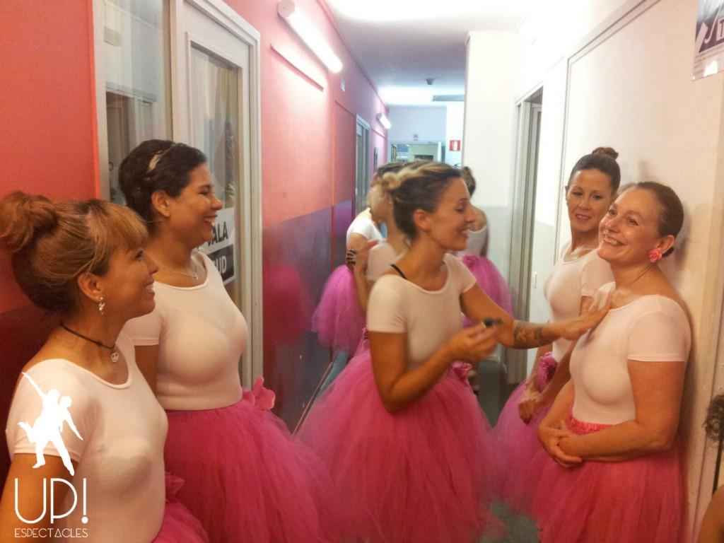 Las bailarinas de ballet ya están preparadas para salir al escenario