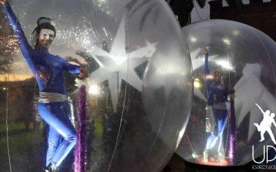 Up!Espectacles baila en la cabalgata de Castelldefels