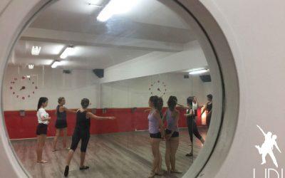 En Up!Dansa damos mucha importancia a la corrección postural