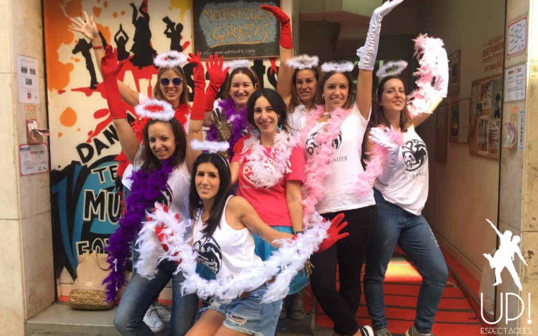 Un taller de burlesque para celebrar la despedida de soltera de María