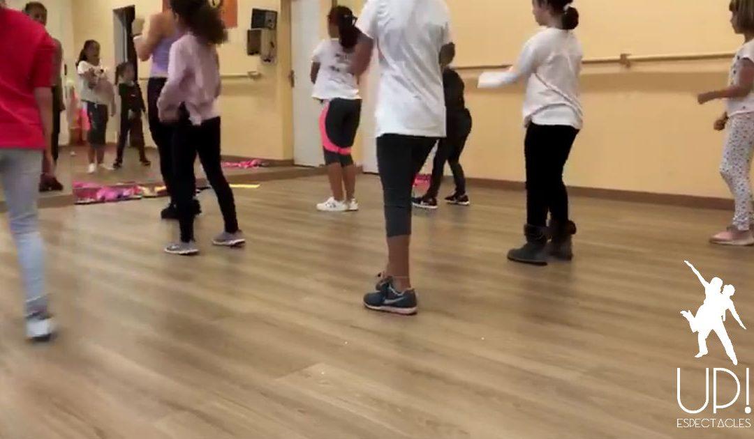 Un taller de baile para niños para celebrar el cumpleaños de Laura