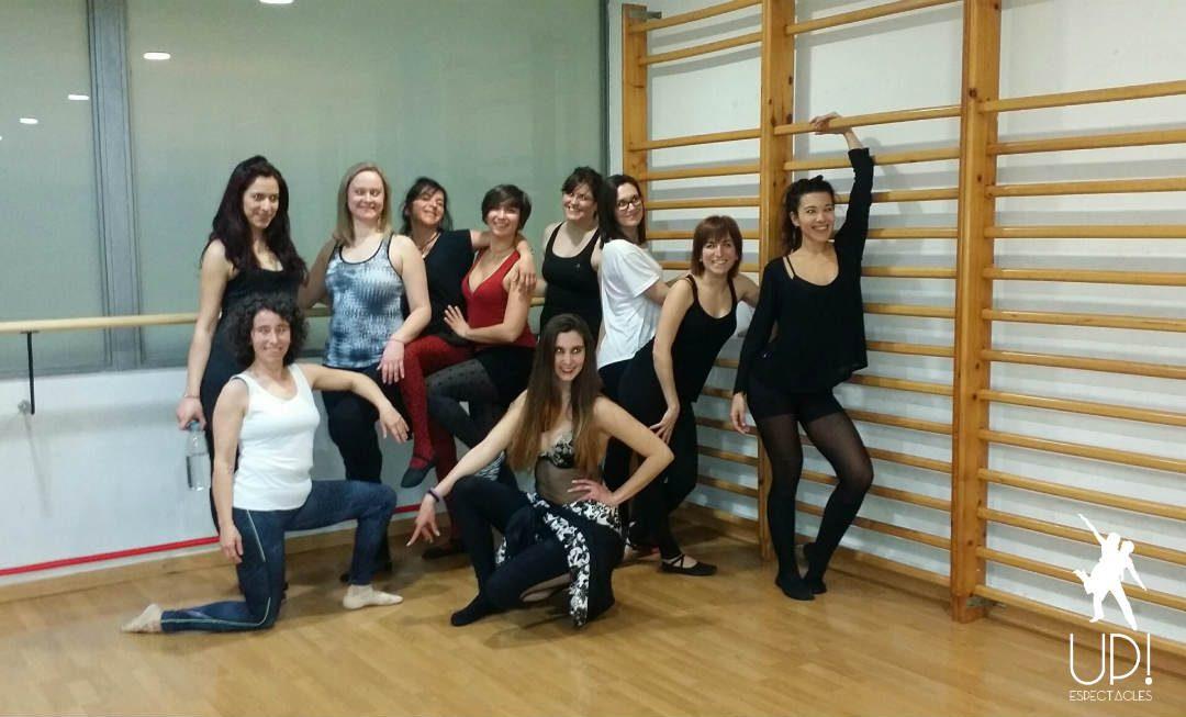 Aprendemos una coreografía vogue para celebrar San Valentín