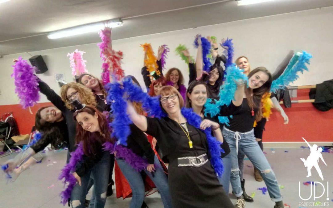 Una despedida de soltera burlesque para celebrar que Cristina se casa