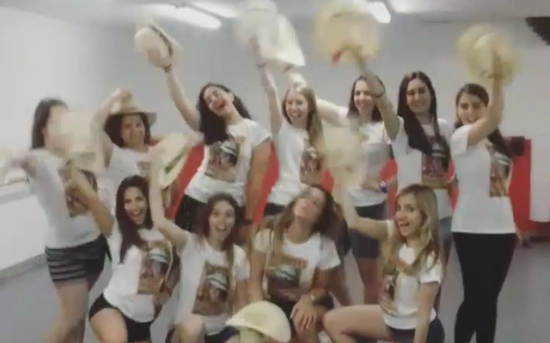 Un taller de baile disco para celebrar la despedida de soltera de Mariona