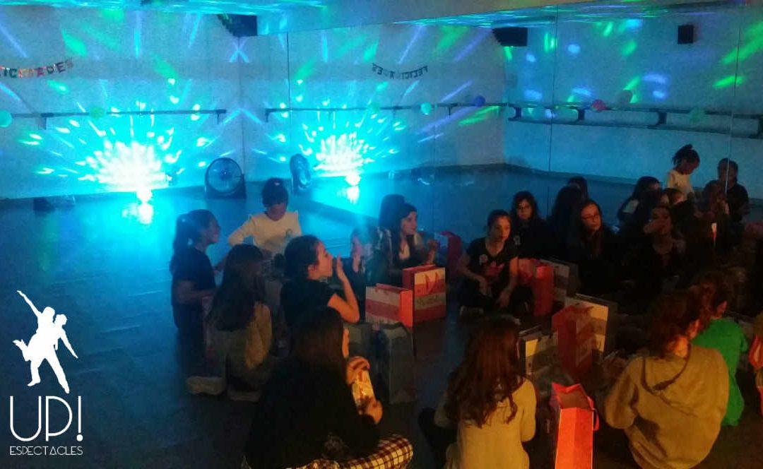 Bailamos hip hop para celebrar el cumple de Alba y Mar