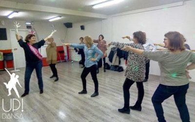 Una clase de baile disco con Montse y sus amigas