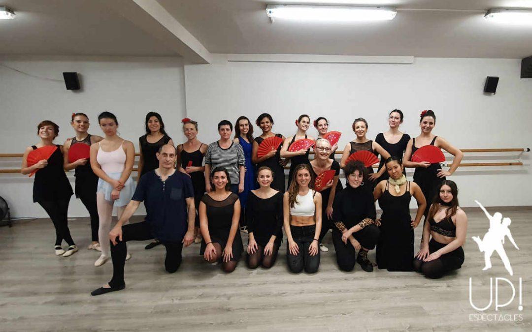 Una clase abierta de ballet para adultos preciosa