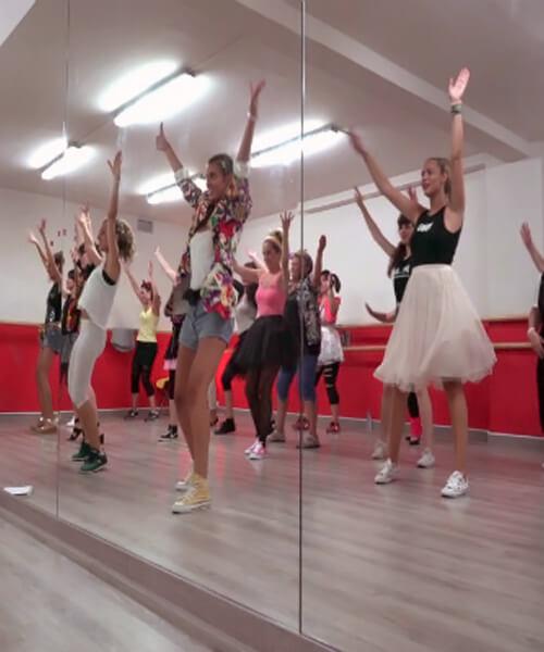 Despedida de soltera música disco en Barcelona con Up!Dansa